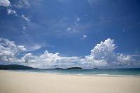 风景图片亚龙湾海滩高清摄影图